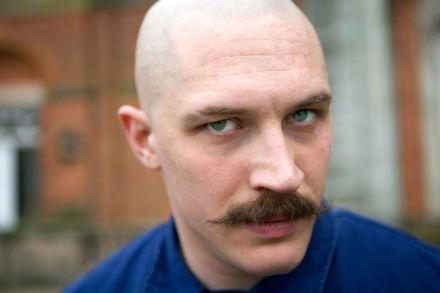 Tom Hardy, fascinant par ses transformations, ici alias Bronson dans le film éponyme (2008)